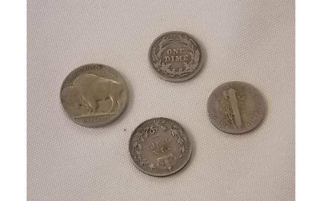 Lot E101 1936 nickel, 1901 and 1944  Dimes, and Canadian coin - 3/4