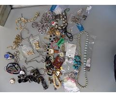 Lot of Costume Jewelry Item 1023