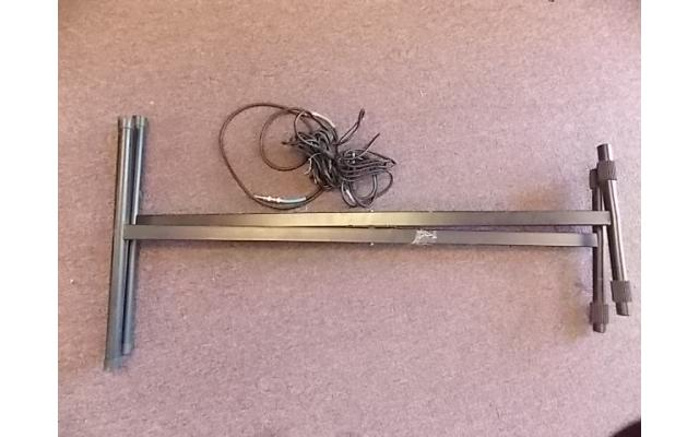 Keyboard Stand & Guitar or Amp Cords (relisted item) - 1/3
