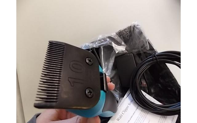 Wahl KM10 Clippers (open box, turns on) - 3/3