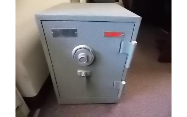 Gardall Fireproof safe with combo - 1/4