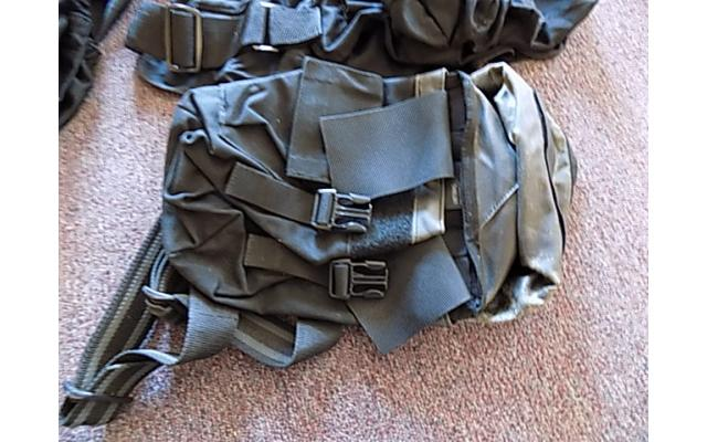 Lot of forearm protectors and ammo bags - 2/5