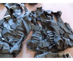 Lot of forearm protectors and ammo bags - Image 3/5