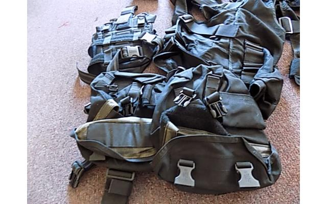 Lot of forearm protectors and ammo bags - 5/5