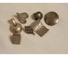 Lot #11 earring lot either marked silver or appears to be silver missing mates - Image 1/2