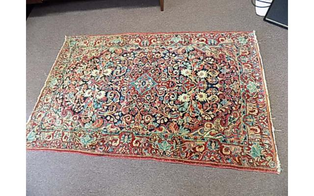 """Hand woven rug approx. 4' x 6"""" - 1/6"""